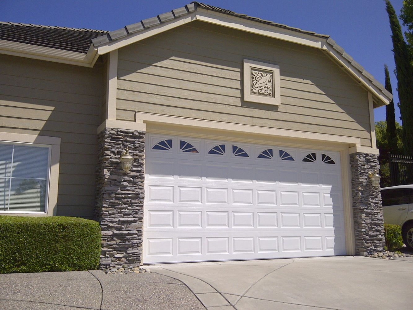 1000 #435388 Garage Door Repair Garage Door Spring Repair Garage Door Opener Repair  picture/photo Amarr Garage Doors Reviews 37891333