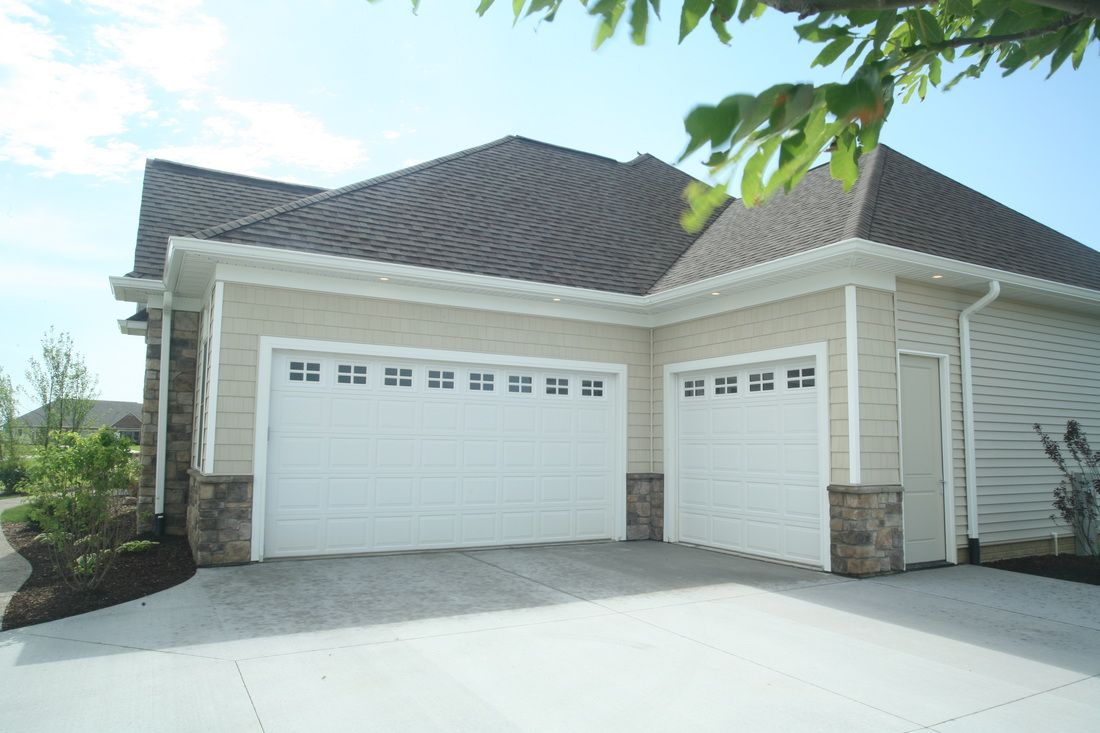 Garage door repair installation in bensenville il for Garage door repair grove city ohio