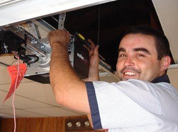 8185784826 In Tarzana Ca Tarzana Quality Garage Door Repair