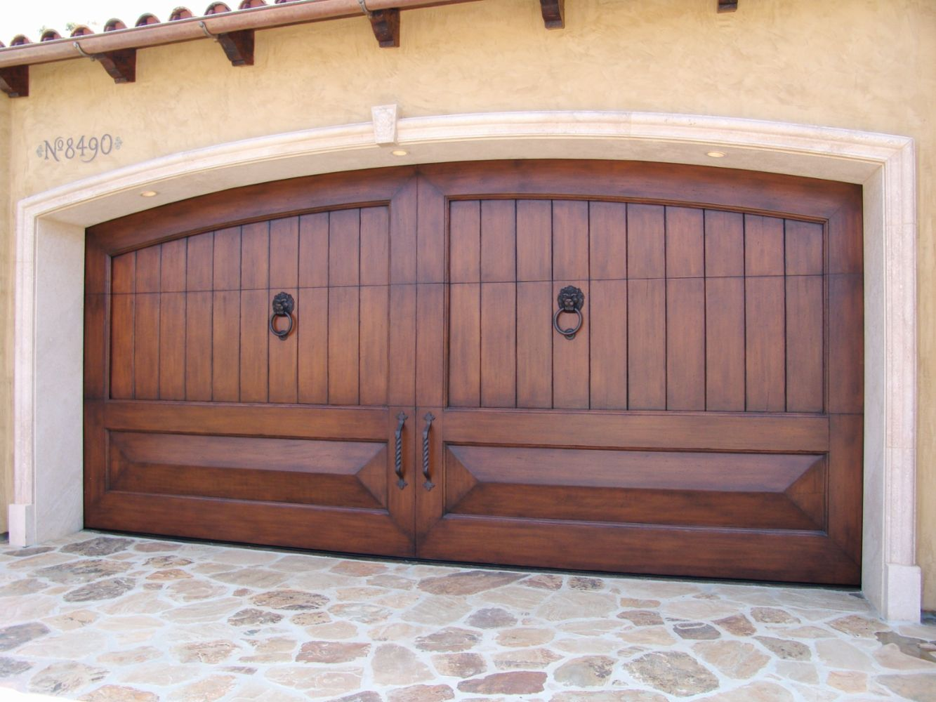 8185784826 In Tarzana Ca Tarzana Quality Garage Door Repair