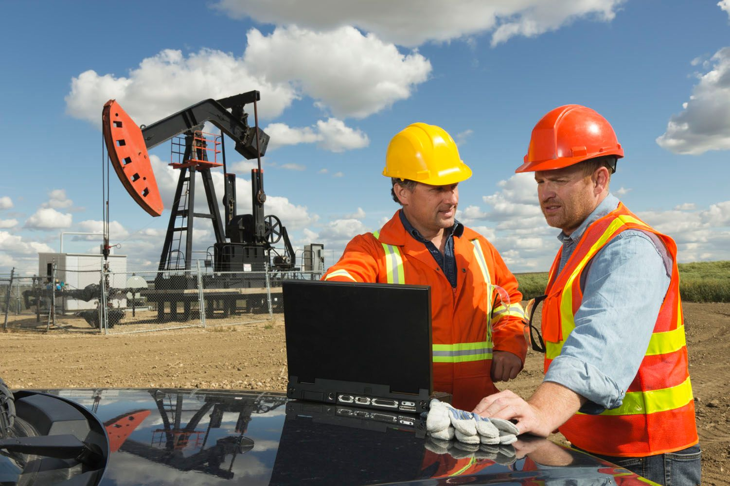 oil drilling and gas extraction industry Drilling contractors,  businesses in the oil and gas extraction sector  accurate data for workers in this industry are lacking.