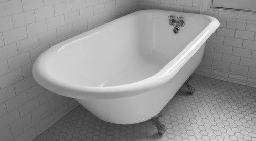Refinished white freestanding bathtub