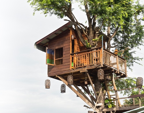 Little treehouse with Thailand decoration