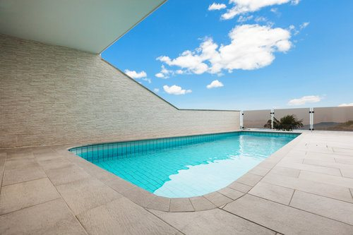 Cost to build an in ground concrete swimming pool - How much does the average swimming pool cost ...