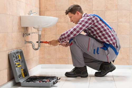 Cost to install plumbing in a bathroom remodel estimates for Labor cost to remodel bathroom