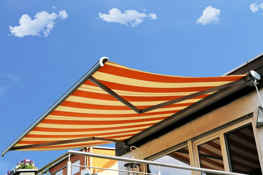 2020 Cost to Install a Retractable Awning | Retractable ...