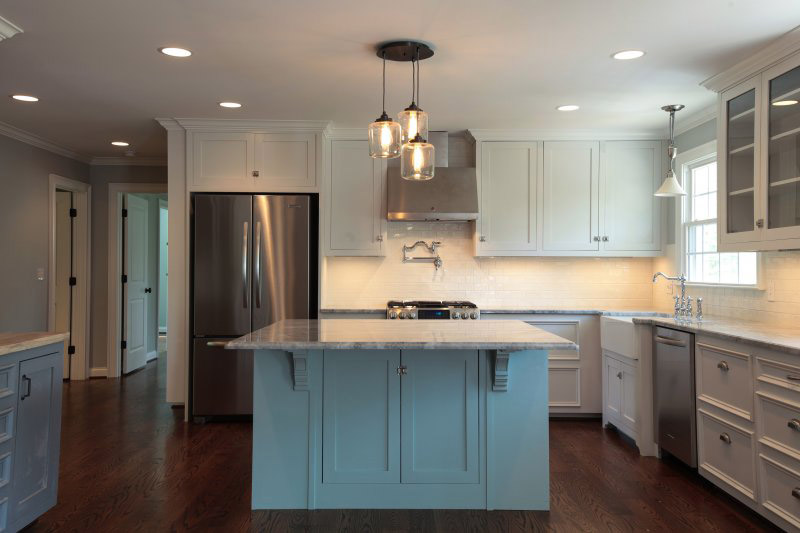 2016 kitchen remodel cost estimates and prices at fixr for How to redo your kitchen