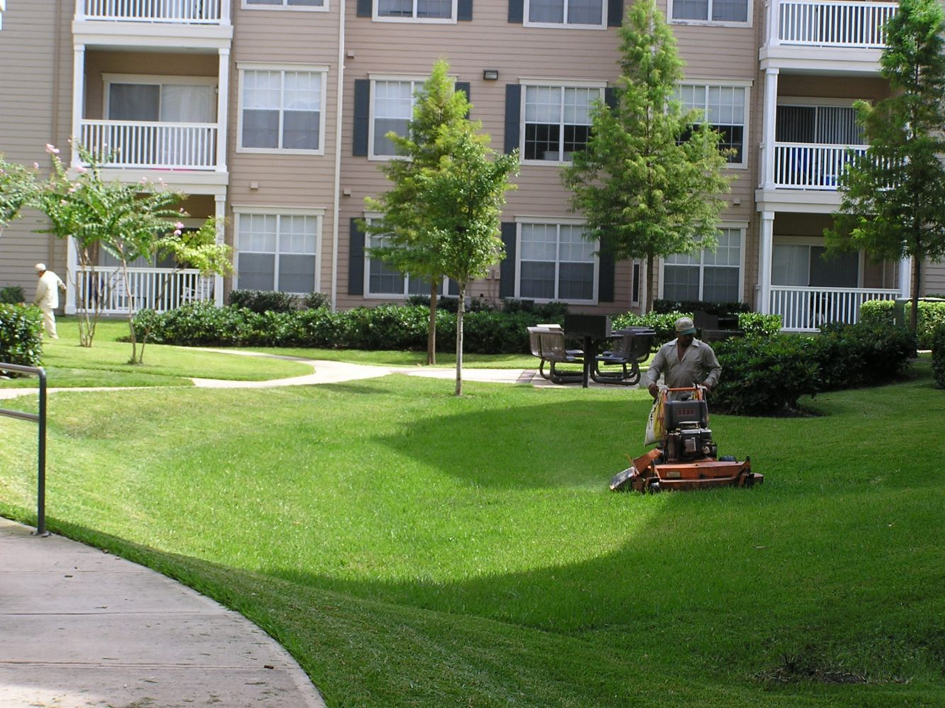 Landscape design and builder in richmond tx greenmark for Commercial landscaping
