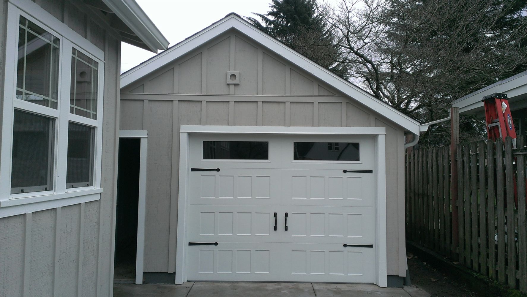 Captivating Beez Garage Door Services Has Been Rated With 46 Experience Points Based On  Fixru0027s Rating System.