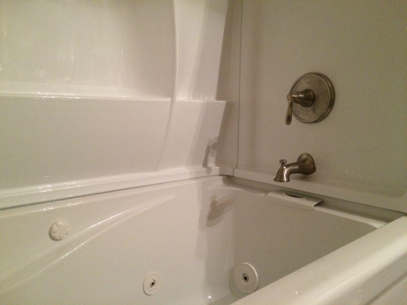 Nice eljer whirlpool tubs ideas bathroom and shower for Whirlpool tub bathroom designs