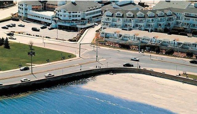 narragansett hotel aqua blue