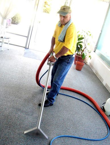 Oxnard Carpet Cleaning Experts has been rated with 22 experience points based on Fixr's rating system.