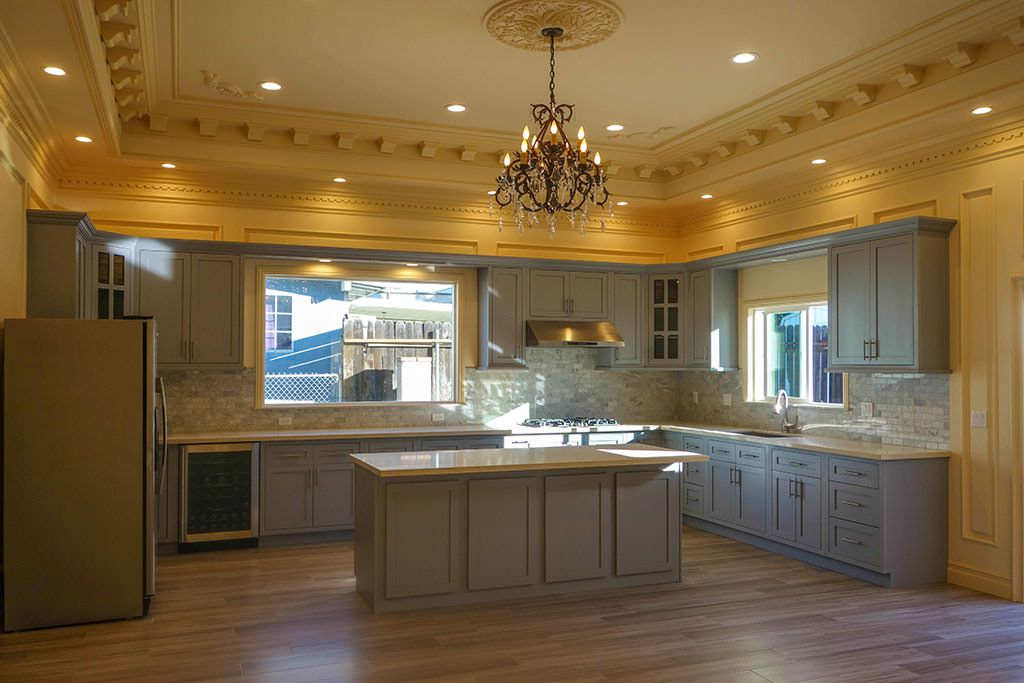 Maplevilles provides inset RTA kitchen cabinets in the Los Angeles area for contractors, interior designers and resellers.