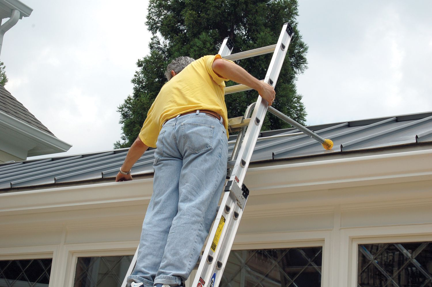 Gutter Cleaning And Repair In Silver Spring Md Tony S