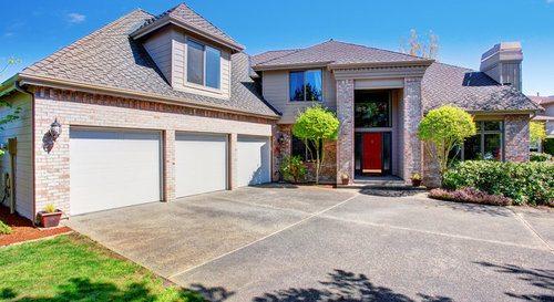 Asphalt vs concrete driveway pros cons comparisons and for Casa moderna naga city prices