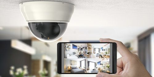 comparison guide 2 Indoor Security Cameras