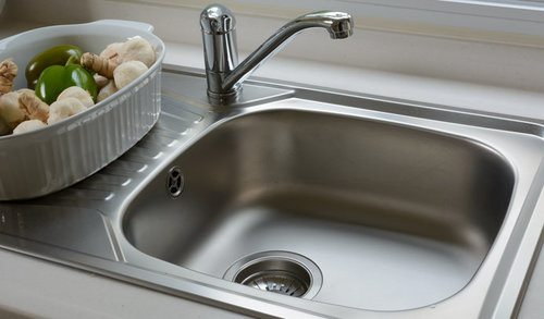 Stainless Steel vs Porcelain Sink - Pros, Cons, Comparisons and Costs