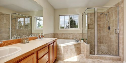 comparison guide 2 Traditional Bathroom