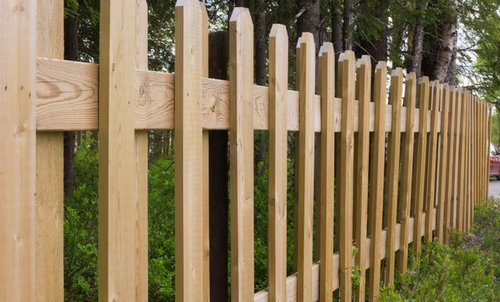 Wood Vs Vinyl Fence Pros Cons Comparisons And Costs
